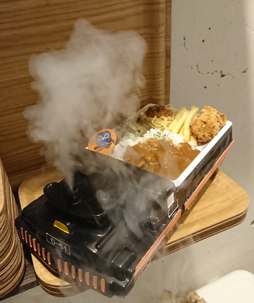 お誕生日限定キッズプレート/プラレールが走るカフェ 子鉄(東京都/荒川区)