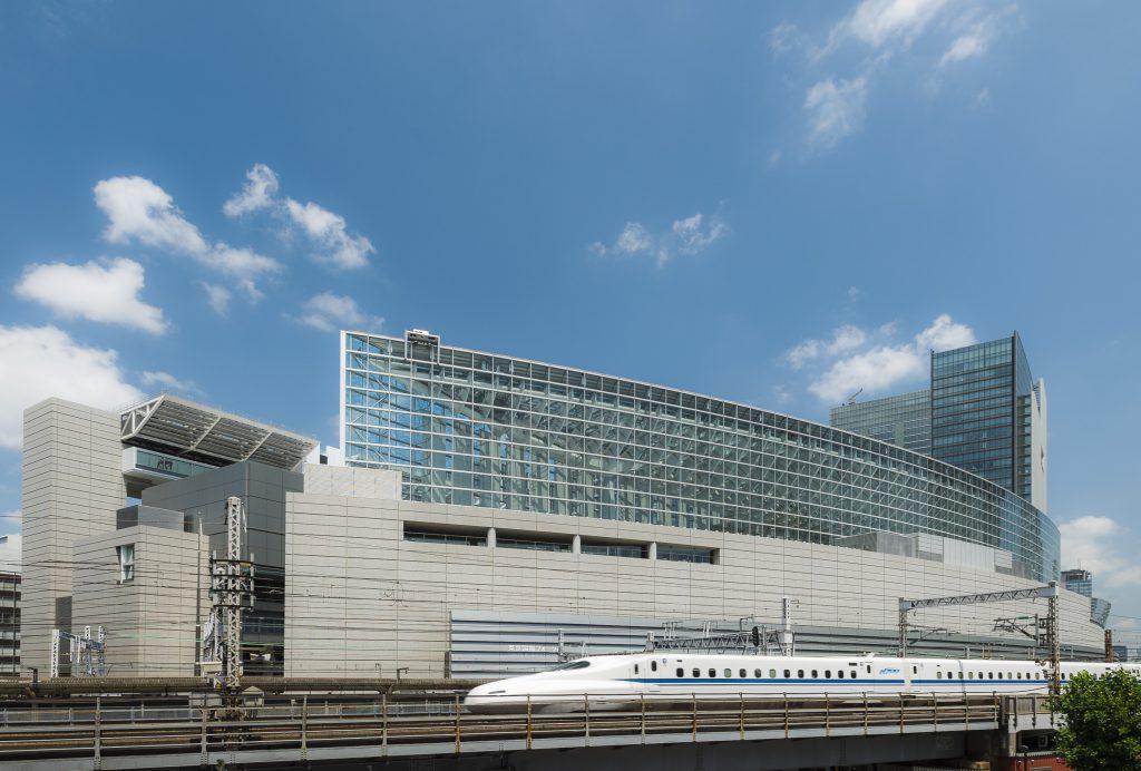 東京国際フォーラム ラウンジの南東側外観(東京都/千代田区)
