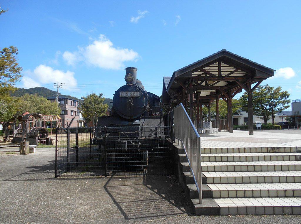 小松市駅開業当時の駅舎やSLの展示/小松島ステーションパーク(徳島県)