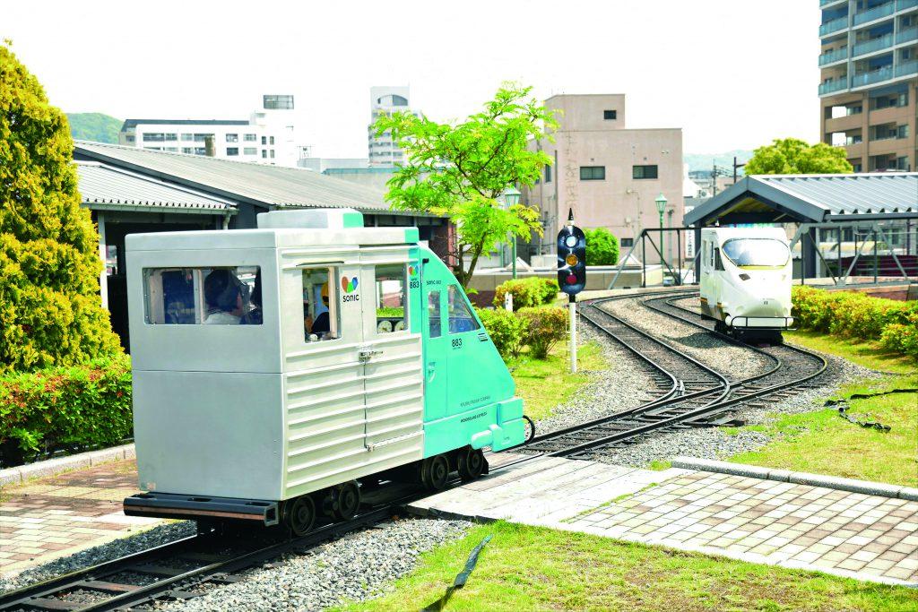 ミニ鉄道公園のミニ列車/九州鉄道記念館(福岡県/北九州市)