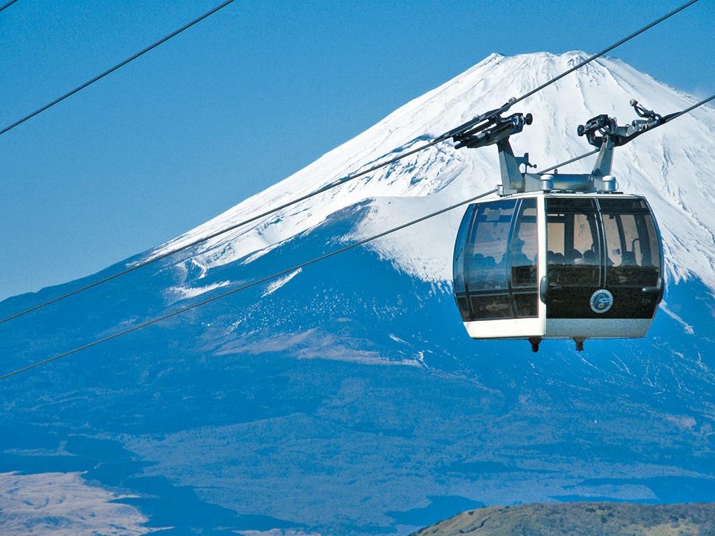 ガラス張りのゴンドラから、富士山や大涌谷などが楽しめる(神奈川県/箱根町)