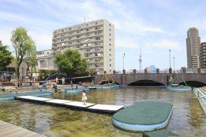 東京都のアスレチック11選!水上コースやターザンロープ、公園のスゴイ大型遊具も