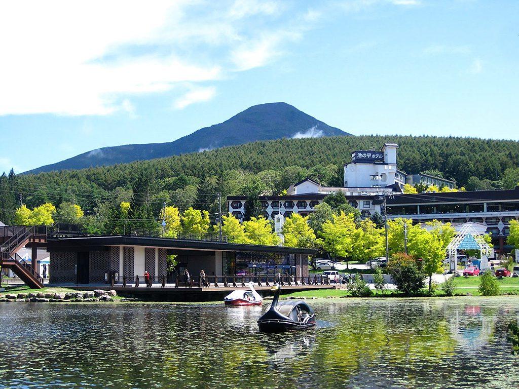 スワンボートで遊べる白樺湖が目の前/池の平ホテル(長野県/立科町)