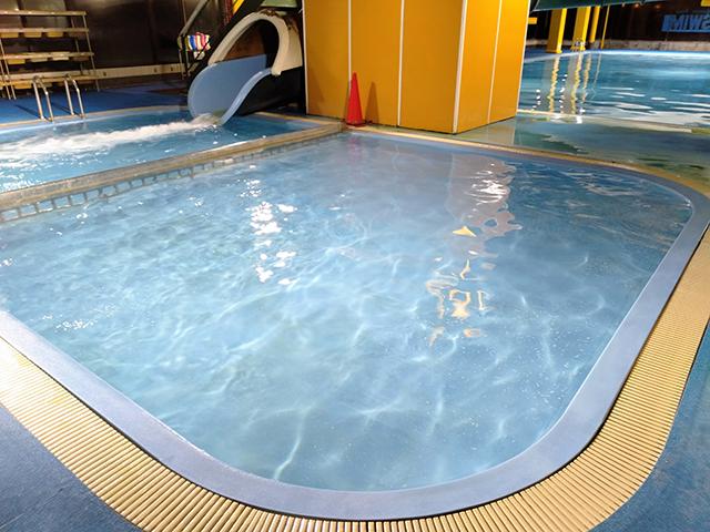 水深50cmの幼児プールも完備/池の平ホテル(長野県/立科町)