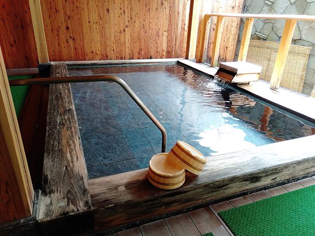 岩と檜の露天風呂も/池の平ホテル(長野県/立科町)
