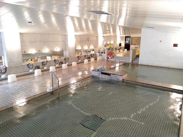 お風呂は自家源泉、無色透明の単純泉/池の平ホテル(長野県 白樺湖畔)