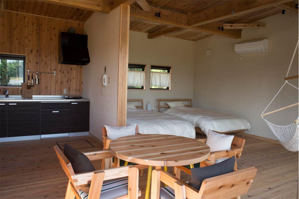 コテージの室内、寝室(千葉県香取市・ザファーム)