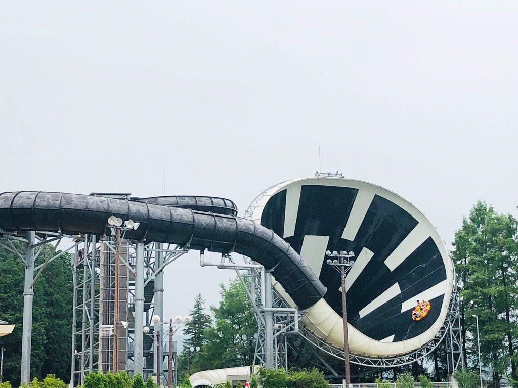 ウォータースライダーの「デカスラ」/東京サマーランド(東京都/あきる野市)