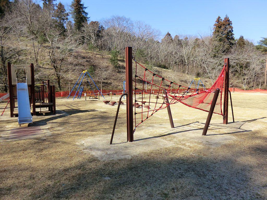 ひだまり広場のネット渡り/益子県立自然公園 益子の森(栃木県/芳賀郡益子町)