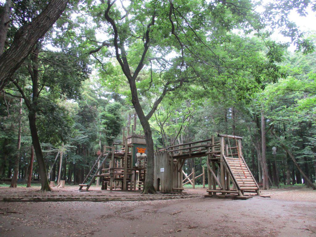 ライオンの絵が特徴的な、わんぱく広場のアスレチック/平塚公園(埼玉県/上尾市)