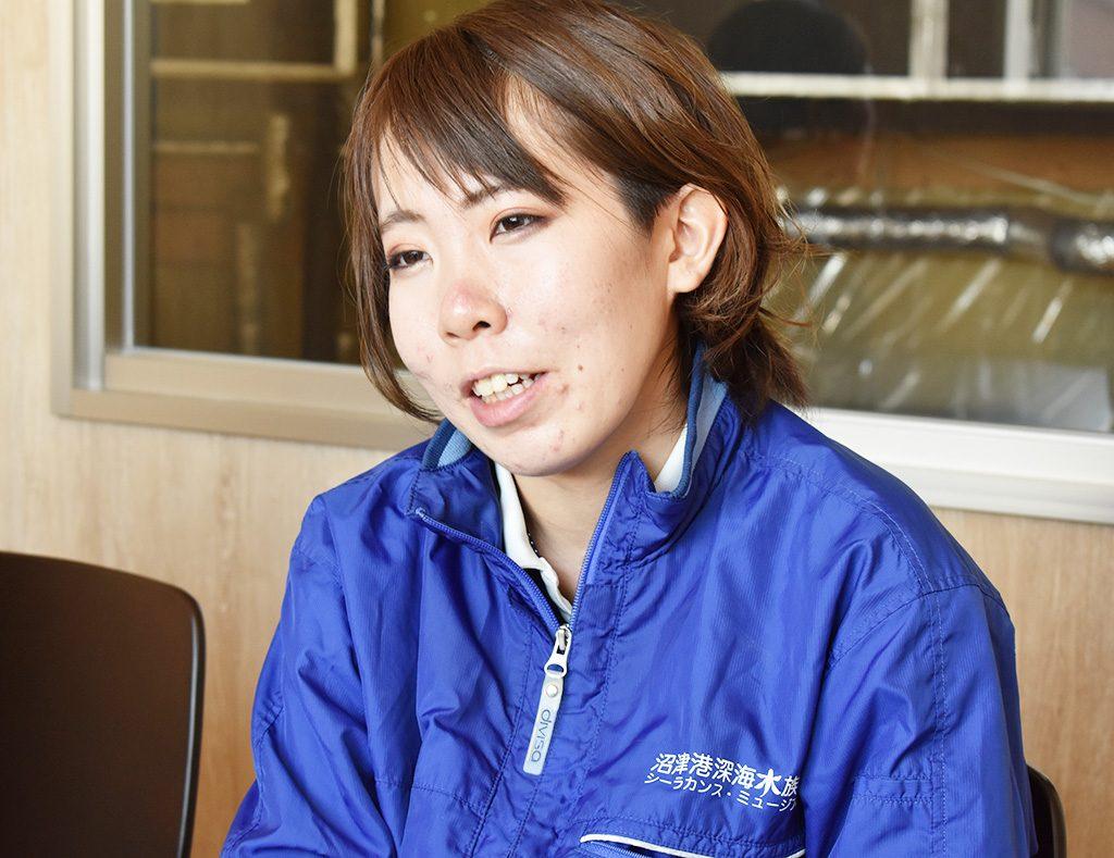 飼育員の安東さん/沼津港深海水族館(静岡県)