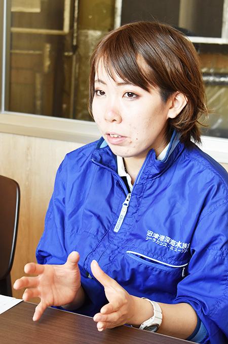 質問にていねいに答えてくれる安東さん/沼津港深海水族館(静岡県)