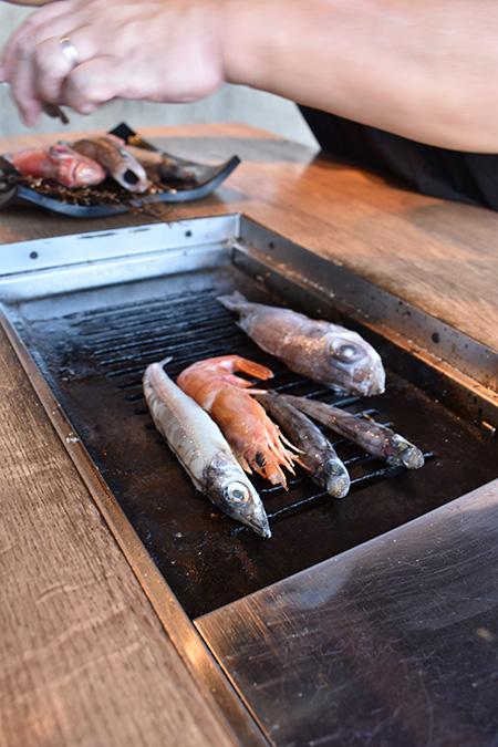 深海魚をコンロで焼く/浜焼き しんちゃん(静岡県/沼津市)