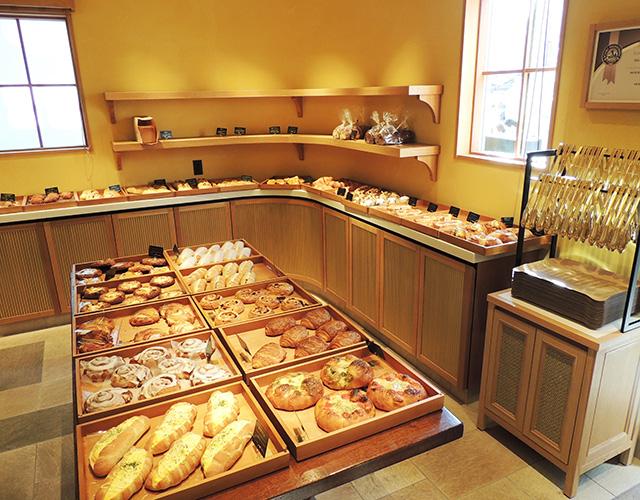 ズラリと並ぶパン/Bakery La Torretta(静岡県/沼津市)