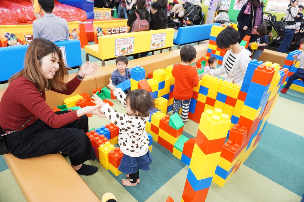 大型遊具で遊べる「トイひろば」/ファンタジーキッズリゾート(東京都/武蔵村山市)