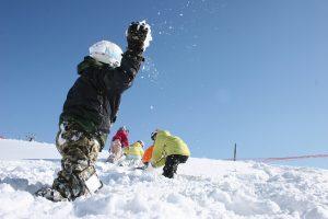 キッズパークが楽しいスキー場・スノーパーク11選!雪遊びやアクティビティが満載
