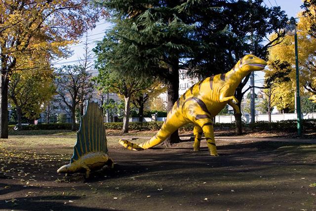 カラフルな恐竜模型/子供の森公園(東京都/品川区)