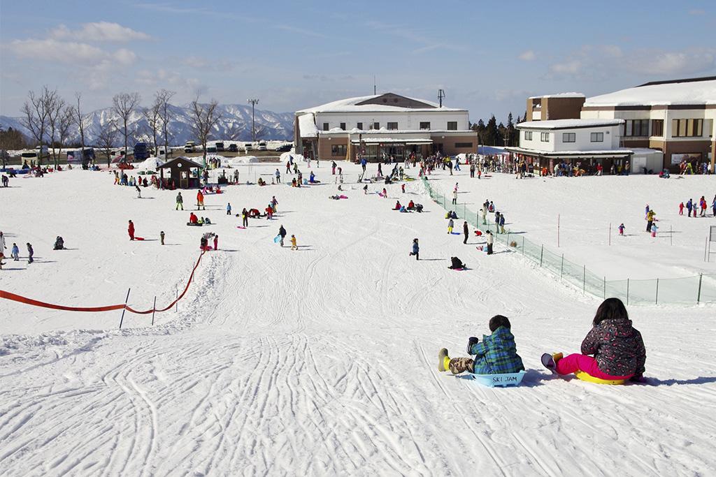 雪が整備されたスキー場・ゲレンデ