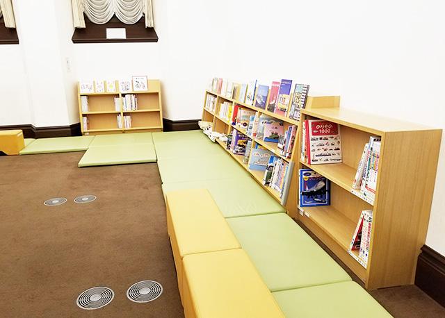 靴を脱いで休めるスペース/国立科学博物館(東京都/台東区)