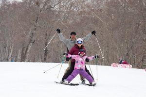 子どものスキー&スノボデビュー、年齢・ゲレンデ選び・コース選びはどうする?元アルペンスキー日本代表・平澤岳さんが直伝!!