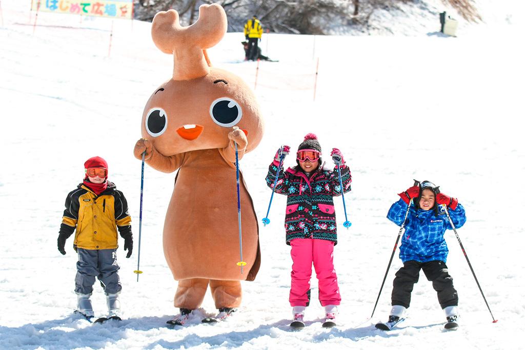 スキーをする子ども/佐久スキーガーデンパラダ(長野県)