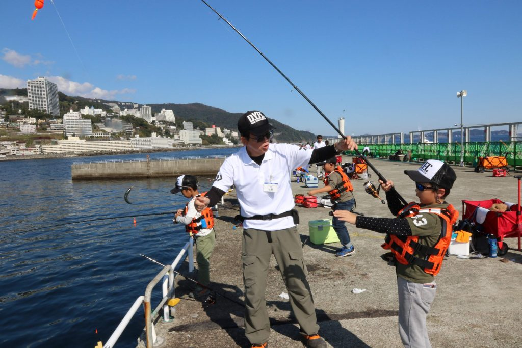 釣り教室での様子/熱海港海釣り施設(静岡県熱海市)