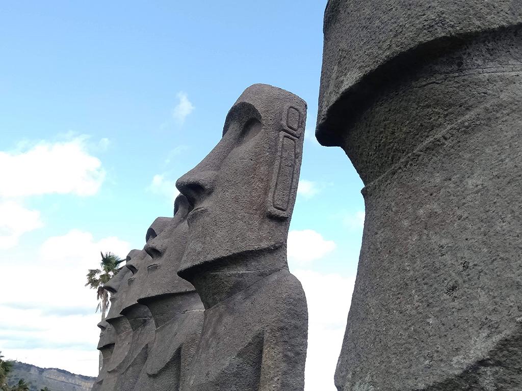 モアイ像の横顔/サンメッセ日南(宮崎県/日南市)