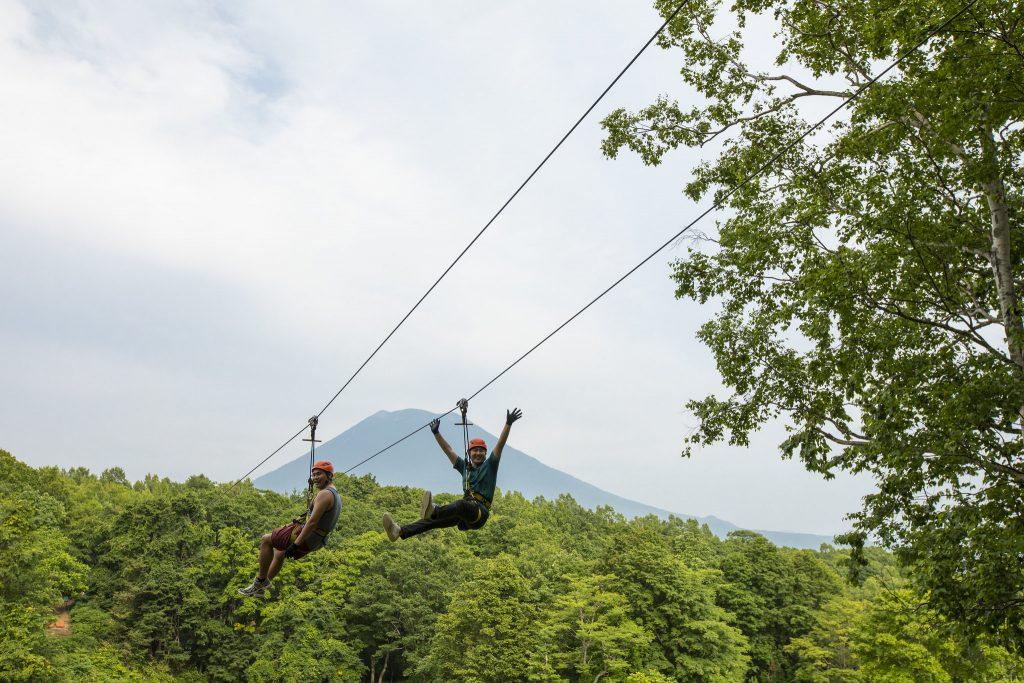 ピュアジップラインツアー_ニセコビレッジ 自然体験グラウンド「ピュア」(北海道/ニセコ町)