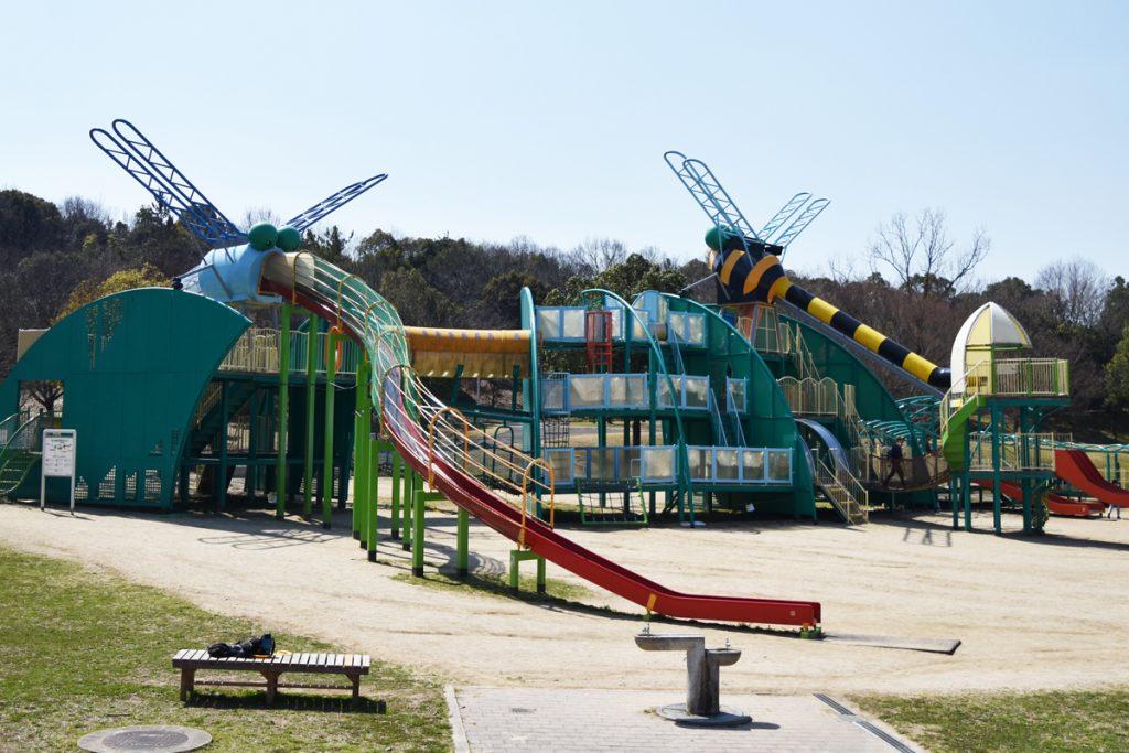 トンボの遊具「しおからとんぼ空港(すべり台)」/蜻蛉池公園(大阪府岸和田市)