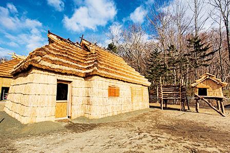 伝統的コタン(集落)/国立民族共生公園(北海道/白老町)