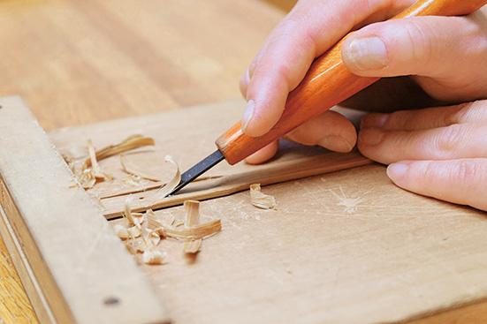 彫刻刀でムックリの製作体験/国立民族共生公園(北海道/白老町)