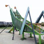 大型遊具がスゴイ公園!彩都西公園(大阪)を占領する巨大なバッタ滑り台