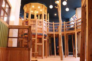 北陸最大級の屋内木育広場「あそびハウス こどもと森」が福井県にオープン!