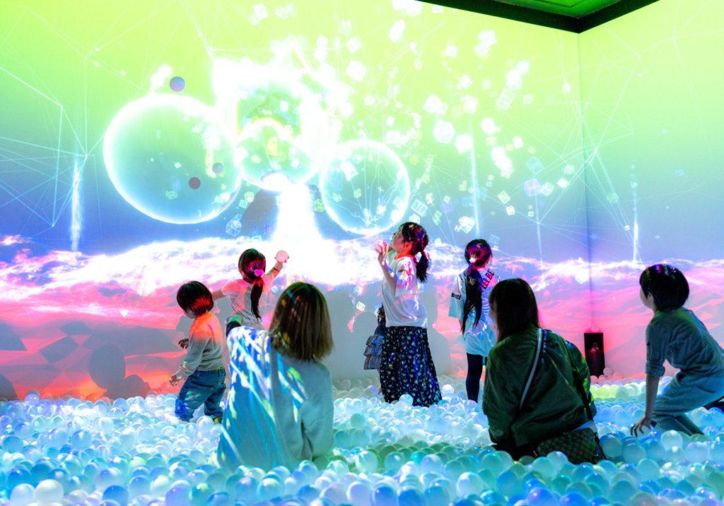 光と音のボールプール「ZABOOM」/リトルプラネットmozoワンダーシティ(愛知県/名古屋市)