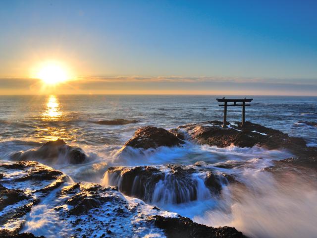 関東の絶景!海からの初日の出スポット9選(2021)大洗海岸や海ほたるなど