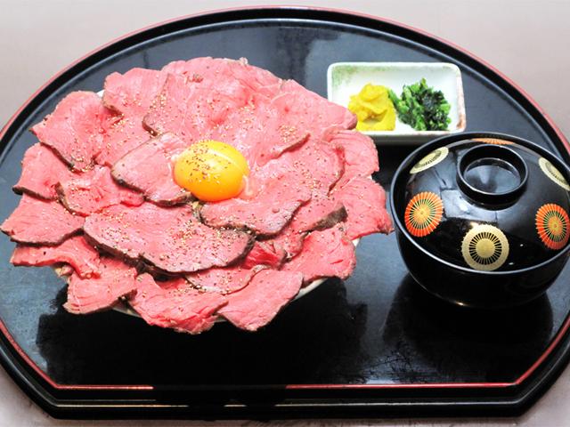 県産牛ローストビーフ丼/北熊本SA【下り】
