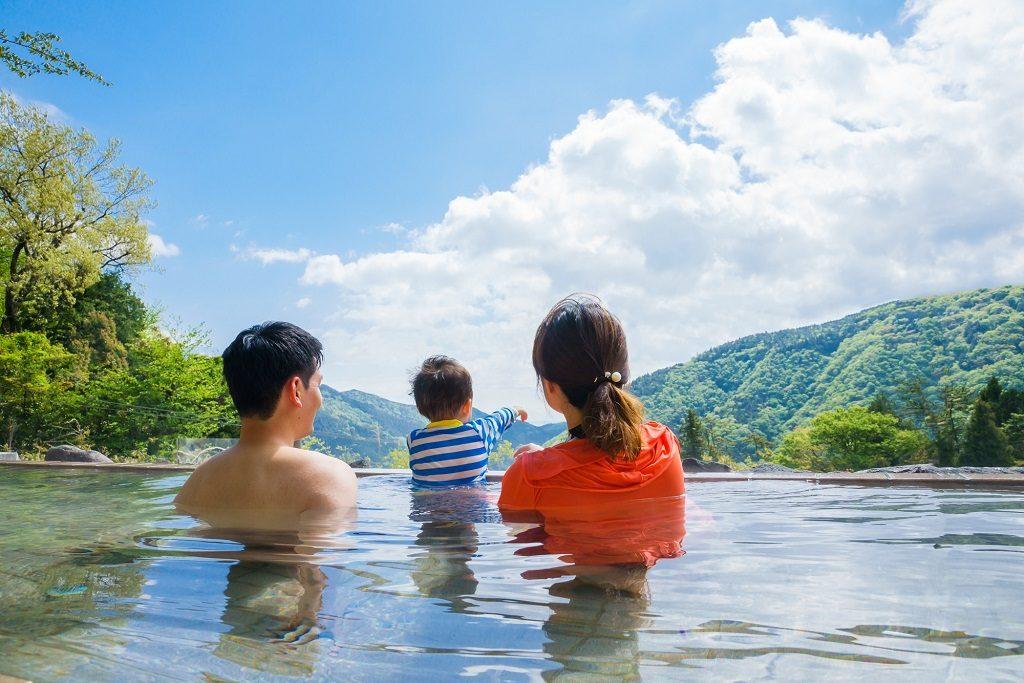 赤ちゃんOK!神奈川の日帰り温泉スポット。絶景露天風呂やキッズルームなど