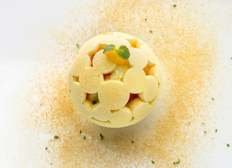 ▲ブール・ドゥ・ノエル…バジルとフロマージュ・ブランのパルフェ、みかんと柚子の風味