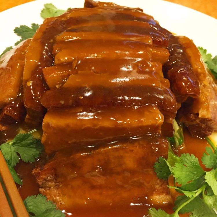 ▲沙溪扣肉(豚バラとタロイモの重ね料理)