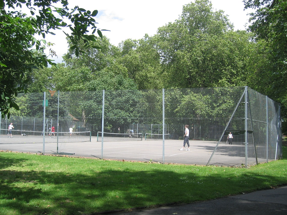 Lincoln's_Inn_Fields_Tennis_Court