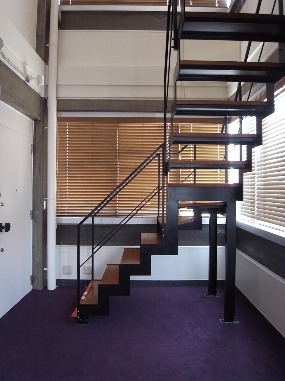 贅沢な階段スペース