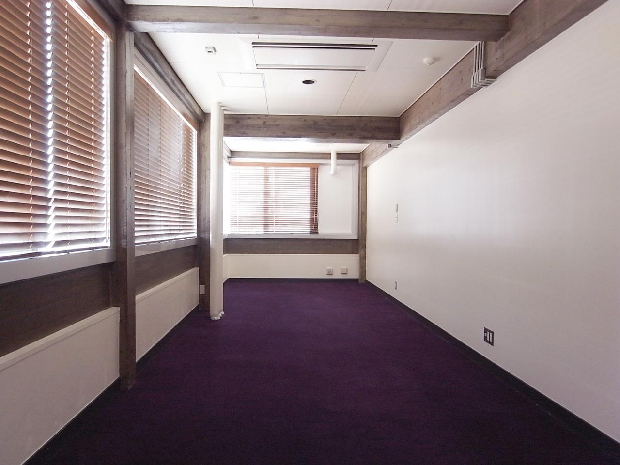 こちらも紫のカーペット