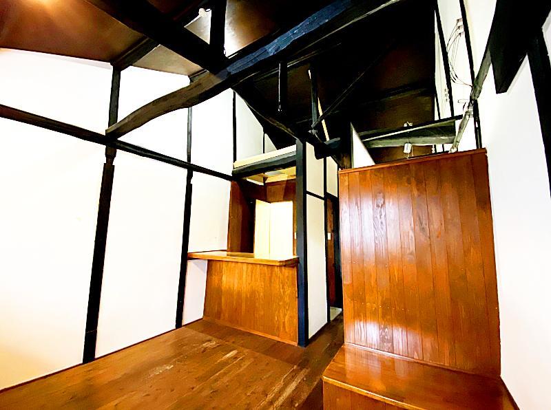 天井が高い開放的な空間