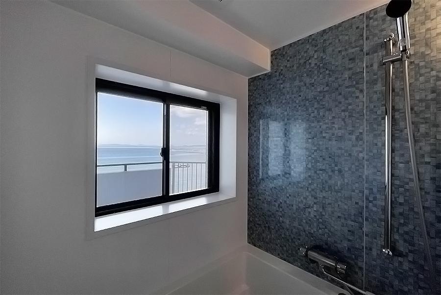 浴室からも海が見えます。