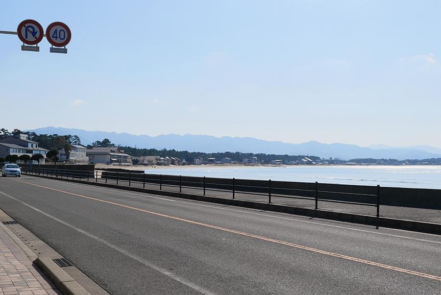 全面道路。そしてビーチ