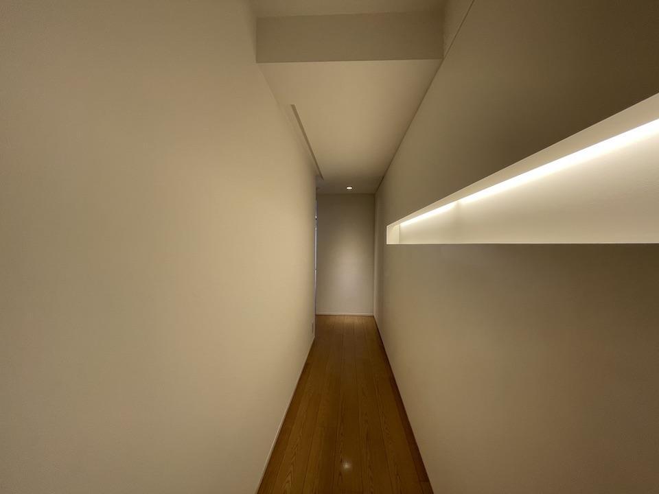 外観や共用部とはギャップがある玄関