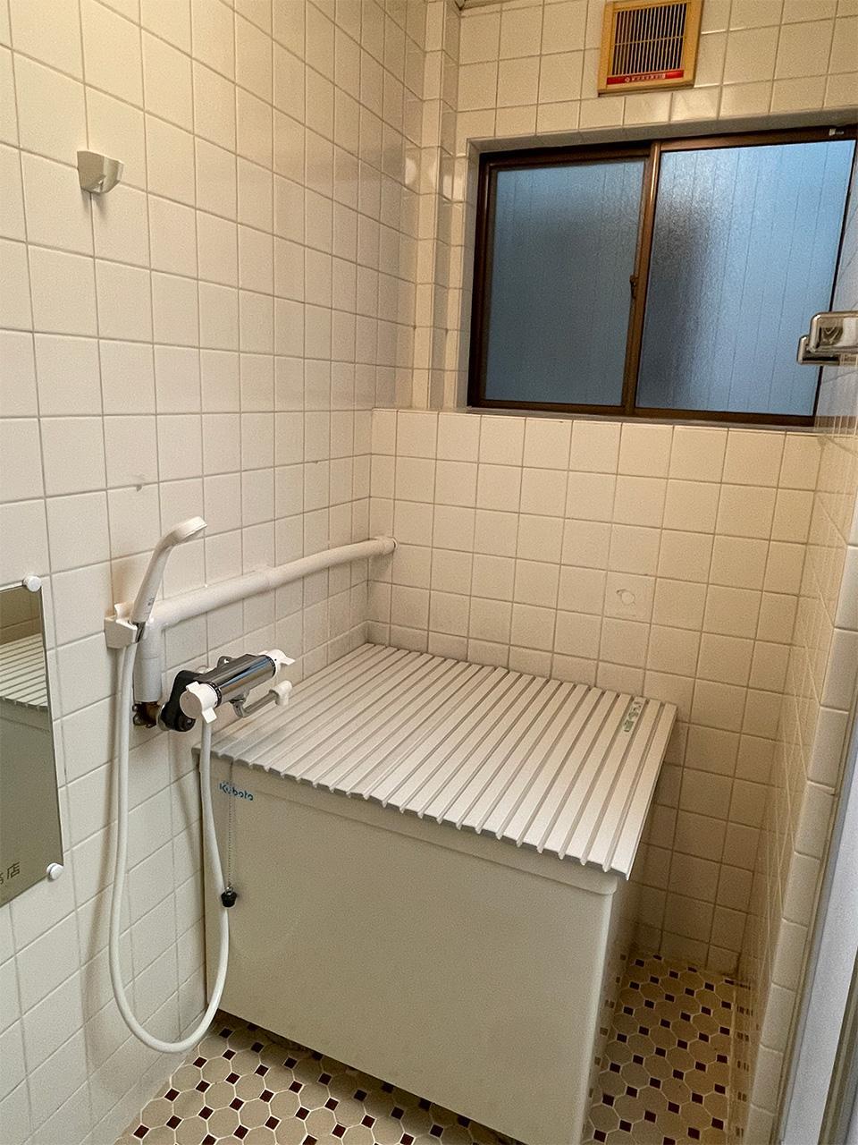コンパクトな浴槽