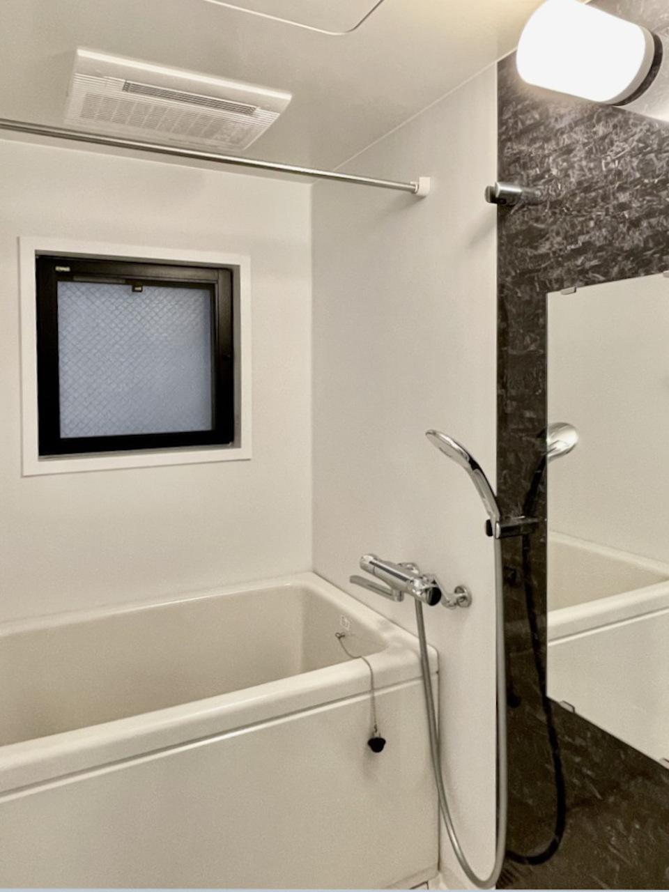 新品お風呂。浴室乾燥機付。