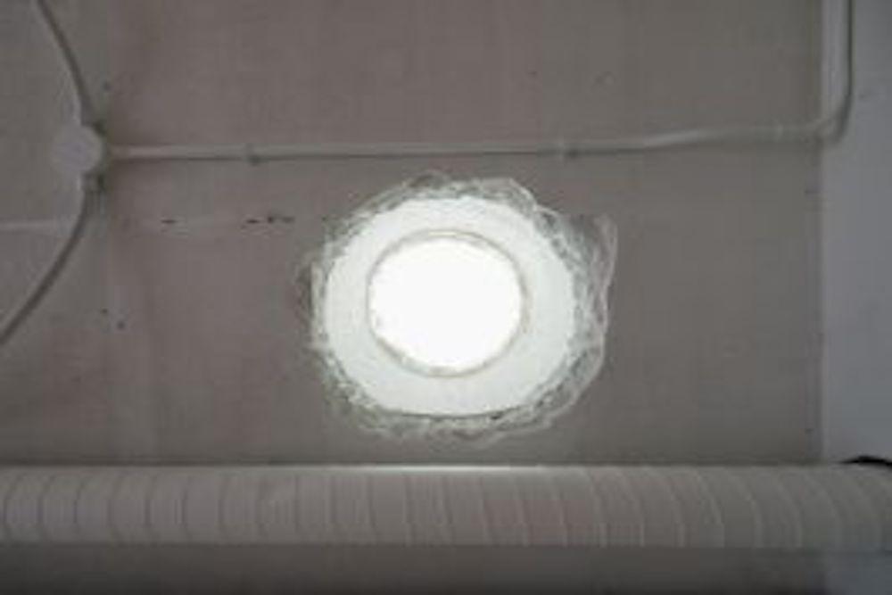 天井には明かり窓