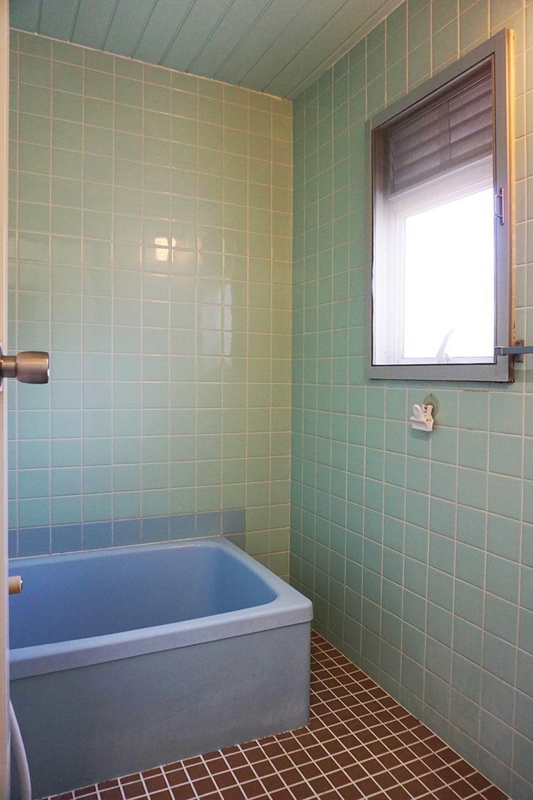 浴室のややコンパクト